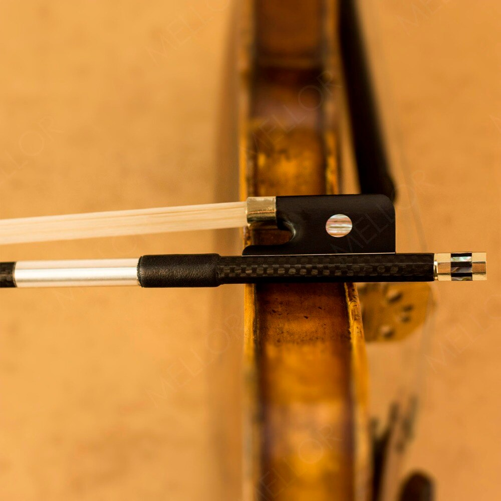Fibra de carbono texturizada Cello Bow Pernambuco rendimiento tono cálido MELLOR avanzado nivel A1C Cello piezas accesorios 3/4 tamaño