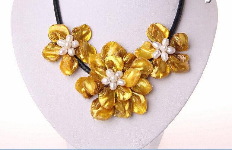 Envío libre>>>> clásico barroco blanco perla de agua dulce concha de oro collar de cuero flor h1707