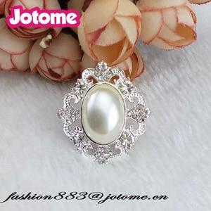 High quality wedding Clothing decoration round shape Pearl & Rhinestone Button /Brooch for Bride Corsage