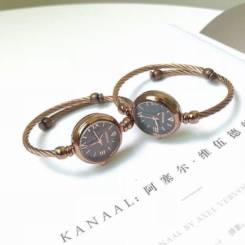 Часы наручные женские кварцевые со звездами, модные роскошные элегантные, с браслетом