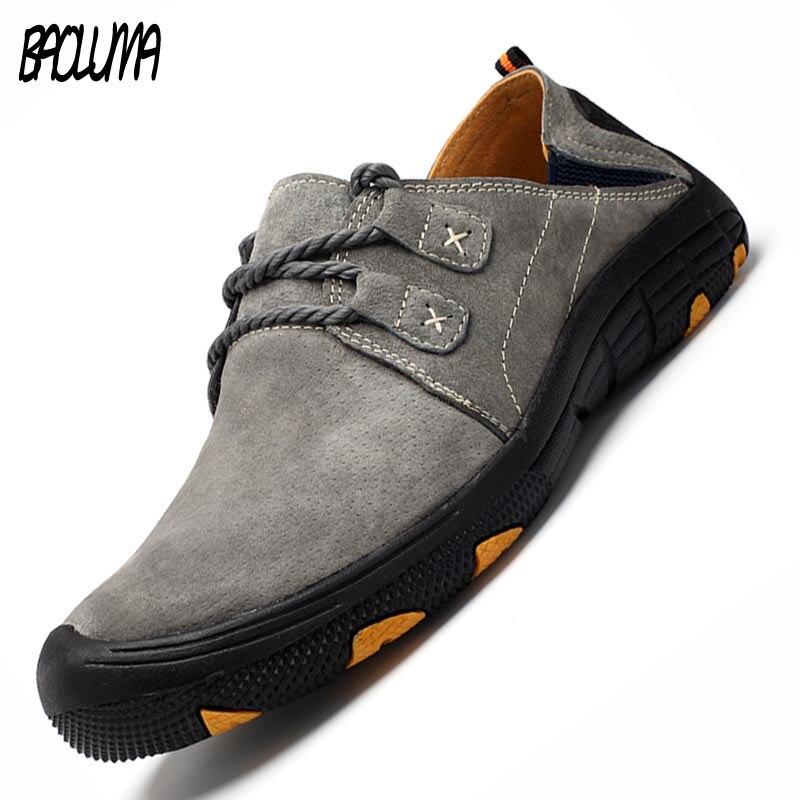 Nuevos zapatos informales de primavera y otoño para hombre, mocasines de ante de cuero partido, zapatos con conducción transpirable, zapatos de fondo suave para hombre