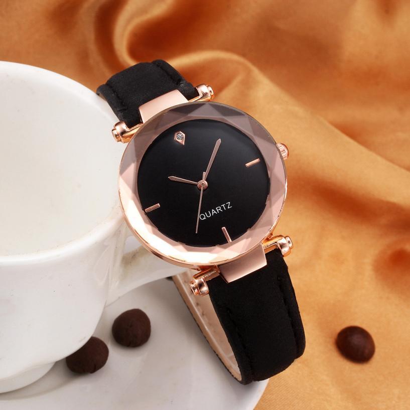 2018 Top Brand Women Bracelet Watch Contracted Leather Crystal WristWatches Women Dress Ladies Quart
