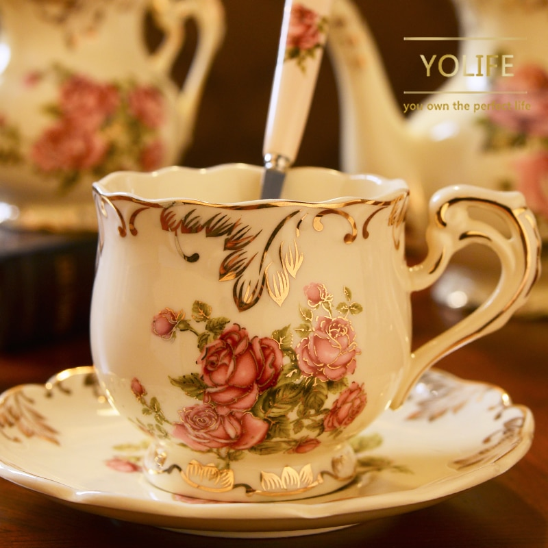 Yolife taza de café de cerámica y platillo pintado a mano Rosa taza de té de porcelana Set con cuchara de regalo clásico