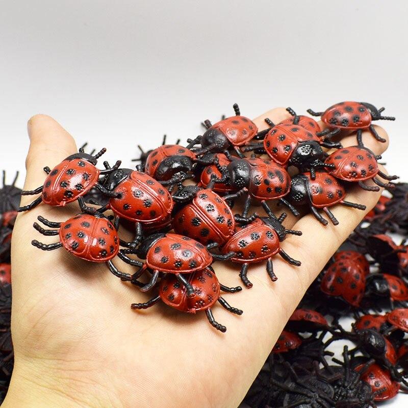 10 unids/lote PVC simulación mariquita de juguete realista insecto biología herramientas de aprendizaje de los niños pequeño regalo tonto de abril Día aterrador Juguetes