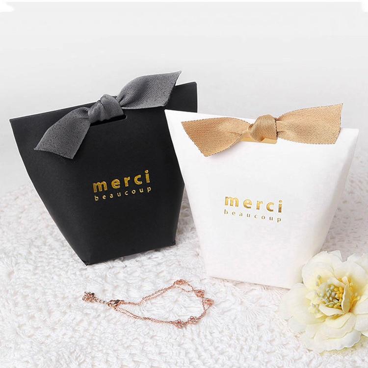 50 шт./лот, черно-белая коробка для подушек из фольги, Золотая лента, бант, Подарочная коробка, подарочные коробки, Свадебные вечерние коробки