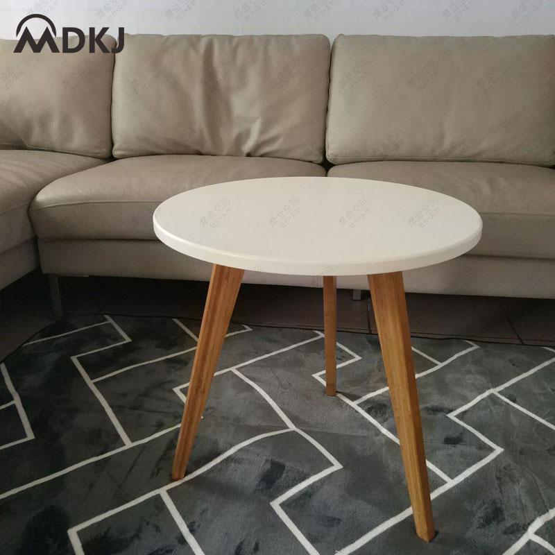 Mesa lateral redondo minimalista moderna de tres patas mesa de centro pequeña mesa de comedor mesa de centro de ángulo de ocio simple