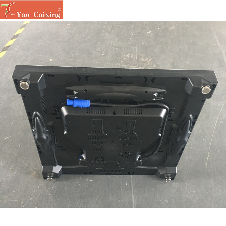 Xxx nano composite schrank led-bildschirm hub75 dot matrix rgb p4 indoor hohe auflösungen smd2121 led display tv