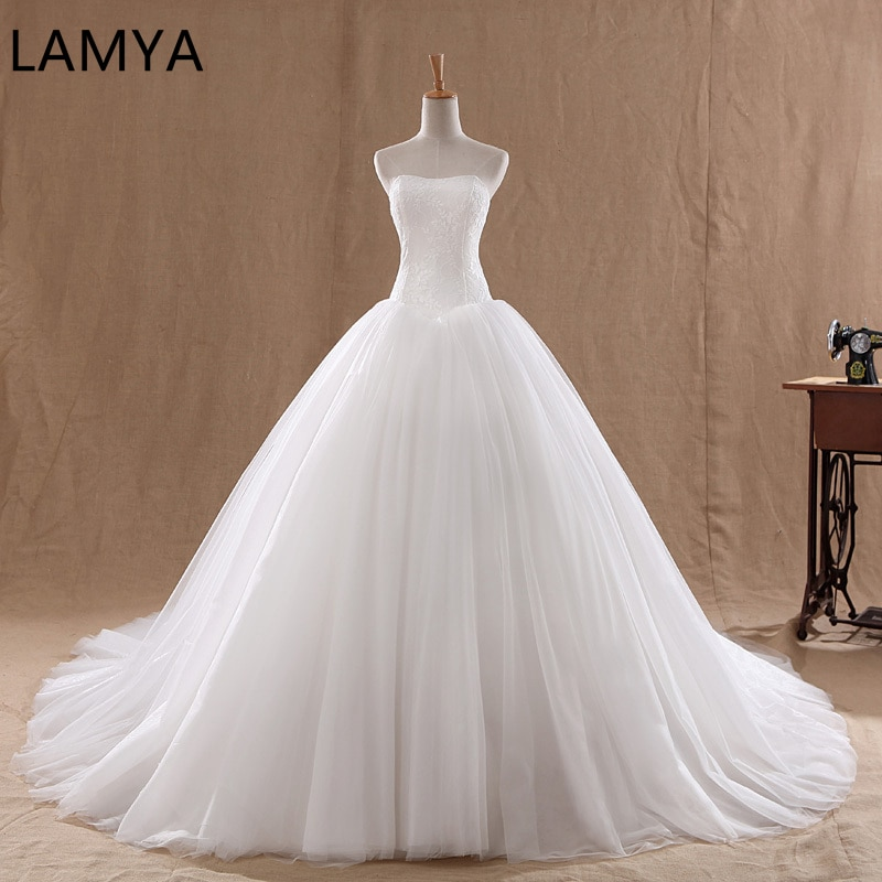 LAMYA Court Train Wedding Dress 2021 Cheap Celebrity Strapless Vintage Tulle Bridal Ball Gown Organza Lace bridal dresses