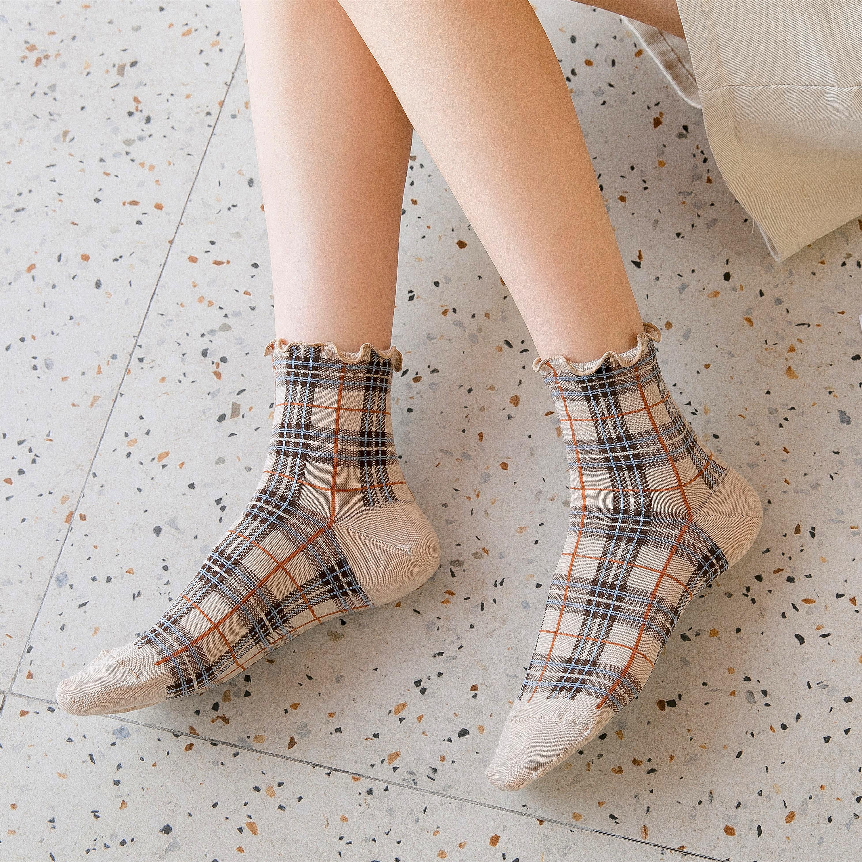 Quatre saisons dames chaussettes britannique plaid rétro femmes chaussettes littérature et art célébrité style dames collège Style ree expédition