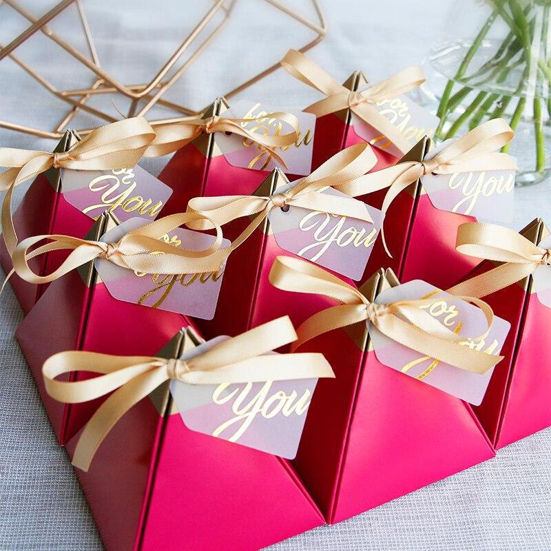 Envío Gratis 50 Uds lote de perlas para fiesta de cumpleaños y boda papel pirámide favores de papel regalos paquete cajas para invitados