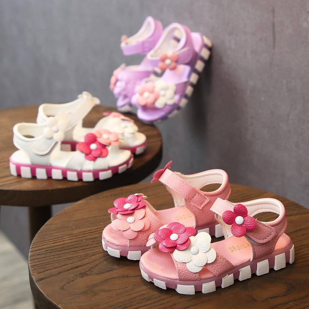 Zapatos para niñas pequeñas, sandalias bonitas para niños, zapatos antideslizantes Kawaii para niños, calzado de cuero con flores, zapatos bonitos para bebés C618