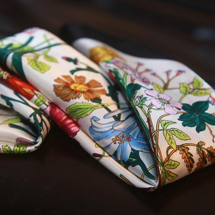 Alta qualidade flores decorativas lenço de seda pequeno lenço quadrado senhora escritório bolsa decoração 100% lenço de seda