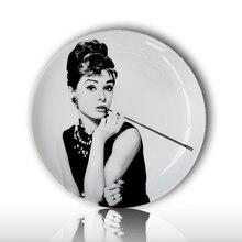 Audrey hephurn-assiette décorative de peinture   Plat suspendu au mur de maison, affiche blanche et noire, décor mural, artisanat créatif en céramique