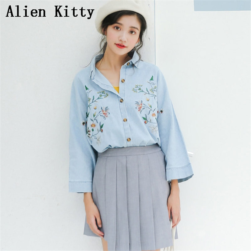 Alien Kitty bordado flores Denim nuevo estilo gran oferta primavera Simple fresco dulce camisetas femeninas sueltas Casual azul claro camisas