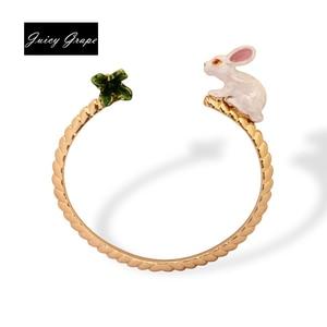 Fashion Animal Rabbit Eat Carrots Bangle For Women Enamel Bracelet Anime Vintage For Sweet Girl the European And American Style