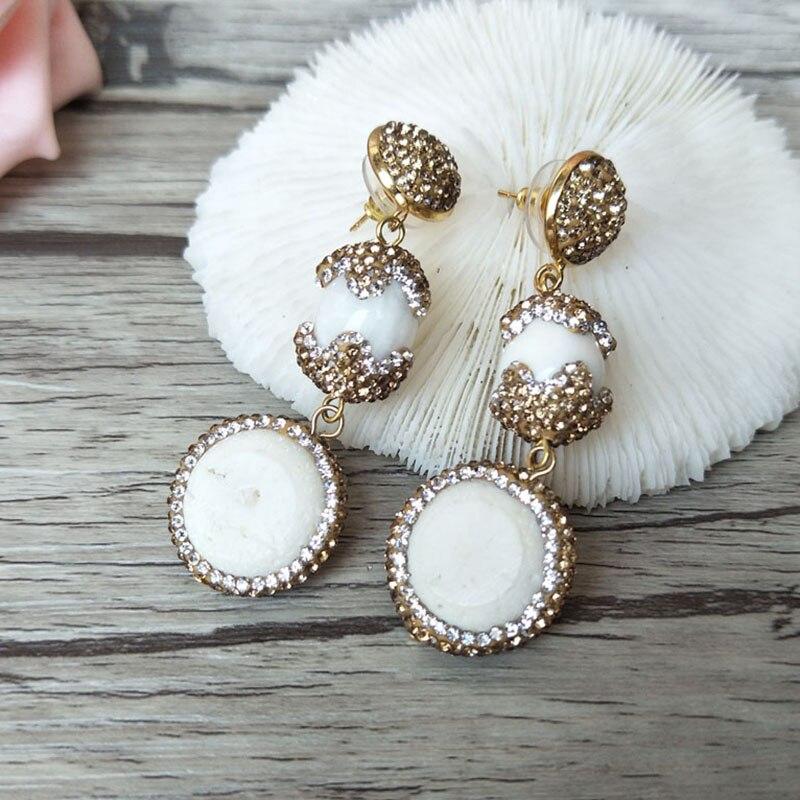 1 par de pendientes colgantes de Coral blanco Natural, cuentas de concha tridacna de diamante de imitación de cristal dorado pavimentado, pendientes de joyería hechos a mano 241
