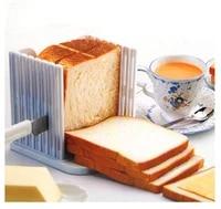 Coupe-pain a pain en plastique  outil de cuisson  utilisation des outils de cuisine  Assistant de petit dejeuner OK 0306  1 piece