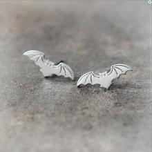 Daisies New Arrival Gold Silver Plated Simple Design Flying Bat Stud Earring Statement Jewelry Anima