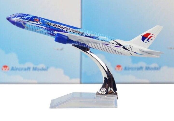 16cm Metal plano de aleación modelo AIR Malaysia libertad de espacio B777 Airways aviones Boeing 777 200 aerolíneas avión modelo w Stand
