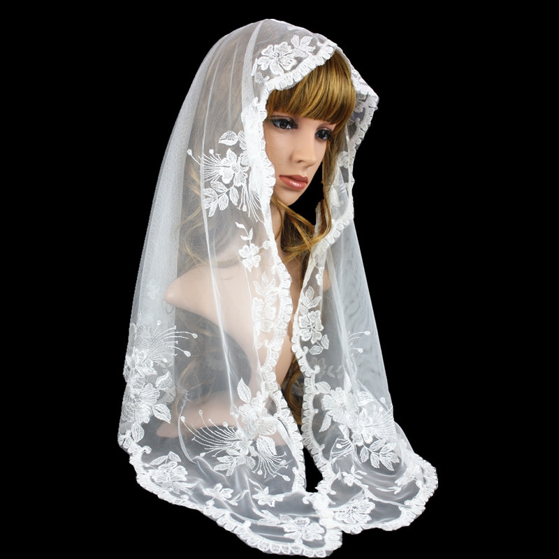 حجاب من الدانتيل الأبيض مع تطريز لانهائي ، وشاح كاثوليكي ، مثلث ، للبيع بالتجزئة
