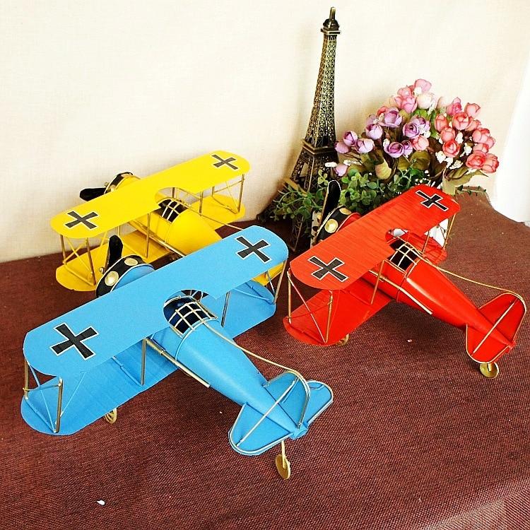 Retro metal modelo de aeronaves estatueta artesanal artesanato asas duplas modelo de avião para casa barra decoração ornamentos janela presente