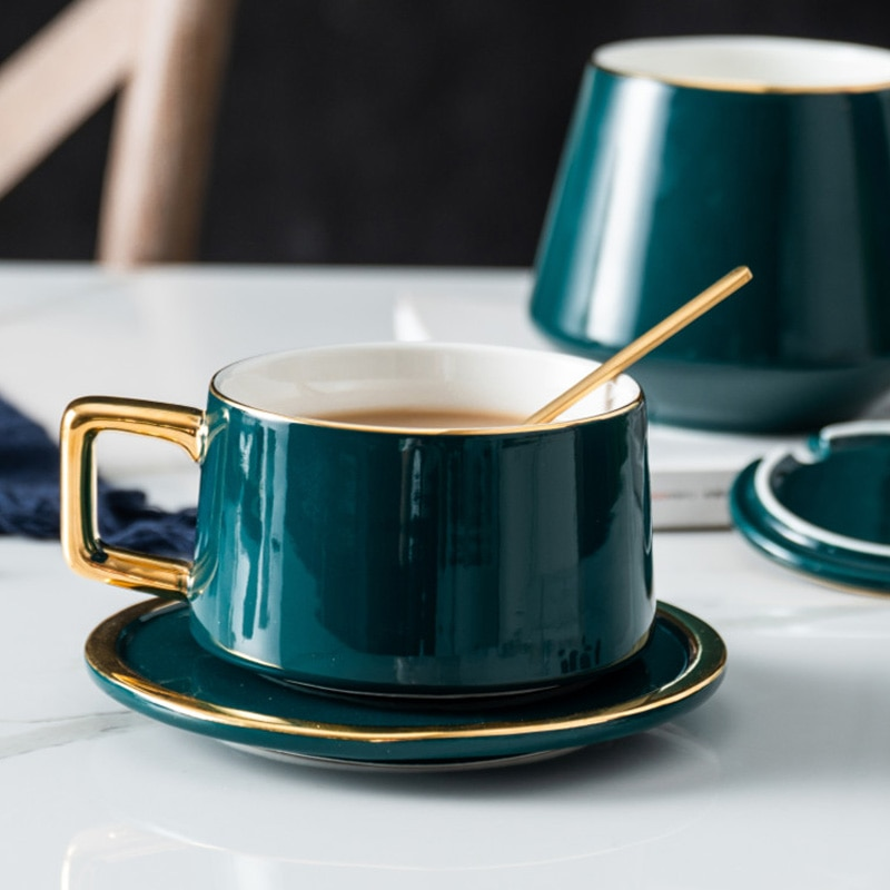 Ma Caron-طقم فناجين قهوة بريطانية عالية الجودة ، هدية إبداعية فاخرة للعشاق ، طقم فناجين شاي بورسلين بتصميم ذهبي