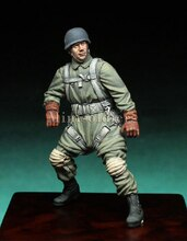 Unpainted  Scale 1/35  - Paratrooper  figure Historical  Resin Model Miniature Kit