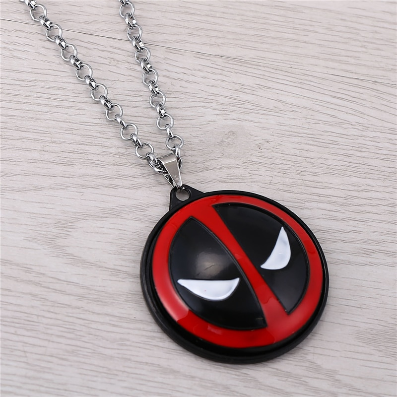 J store recién llegado Anime x-men Deadpool collar largo con pendiente Dead Pool Logo película para collar para mujeres collar femenino