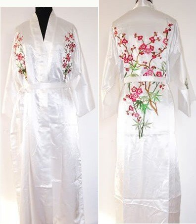 New White Chinese Women's Silk Robe Gown Novelty Embroidered Sleepwear Kimono Yukata Gown Flower S M L XL XXL XXXL W3S001