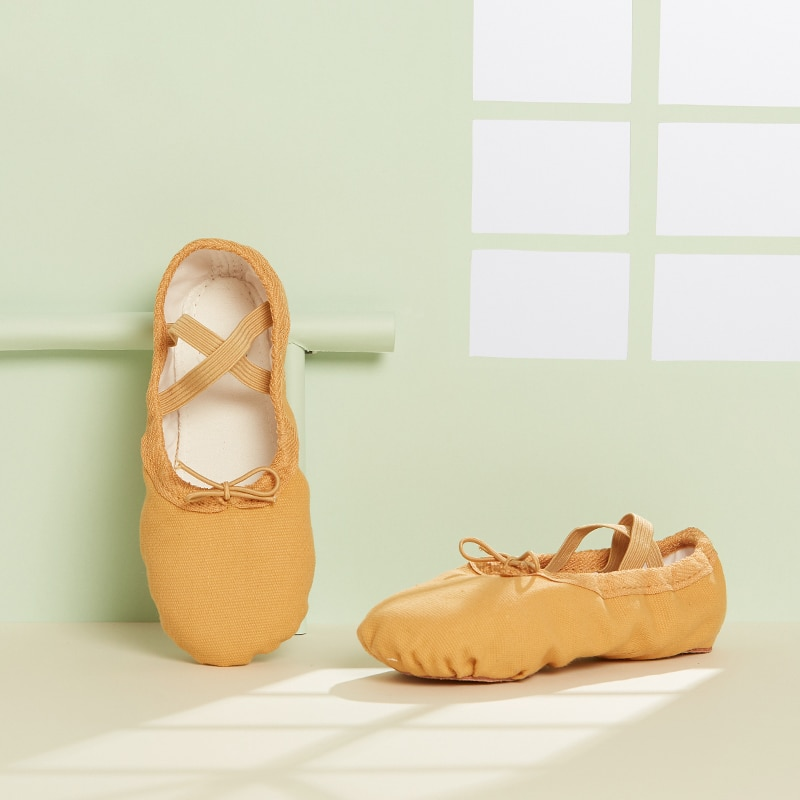 girls flower shoes children canvas shoes 2018 autumn fashion embroidered girls soft breathable cloth kids dance shoes high heels Kids Dance Shoes Soft Canvas Ballet Shoes for Girls High Quality Dance Slipper Dance Shoes Ballerina Shoes