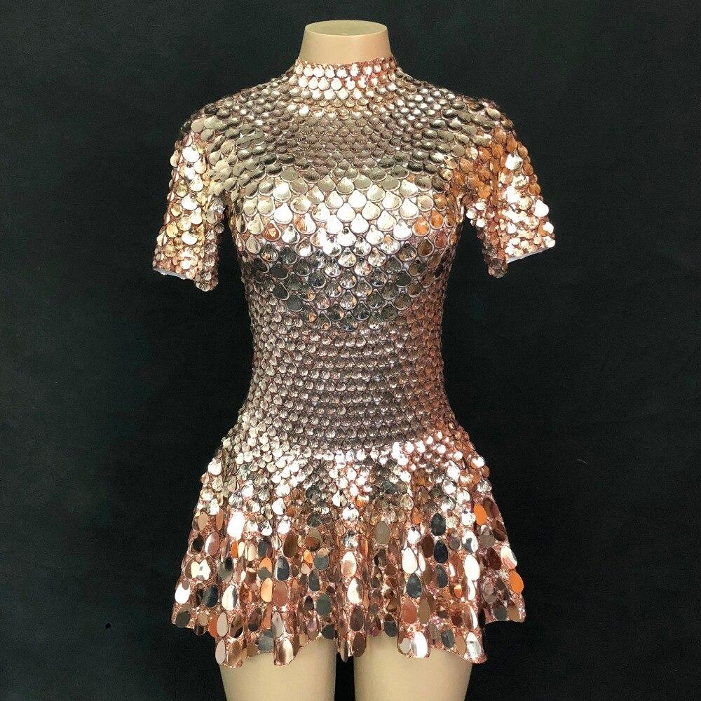 فستان قصير لامع للنساء ، زخارف معدنية ، مثير ، ديسكو ، عيد ميلاد ، حفلة ، أداء ، مجموعة جديدة 2020