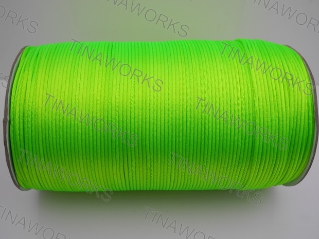 Envío Gratis 300 metros/327 yardas Cable de satén verde fluorescente/hilo nudo chino/Cordón de cuentas de Nylon para joyería macramé
