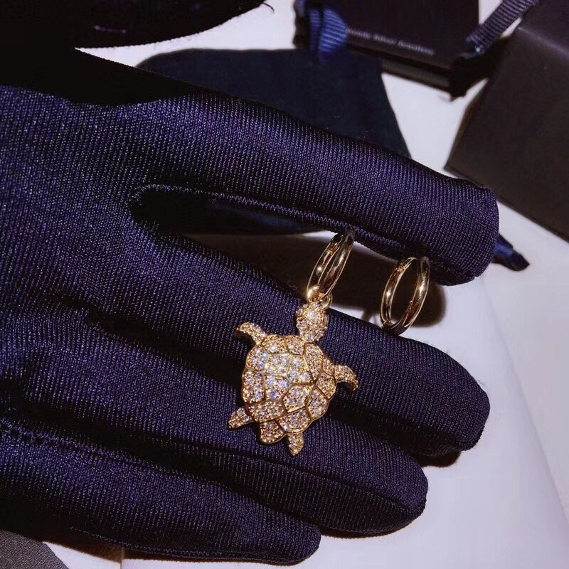 JUIN tortuga Animal pendiente con circonita mujeres Pseudo oro S925 oreja Pin mujeres playa Egipto templo asimetría joyería de boda