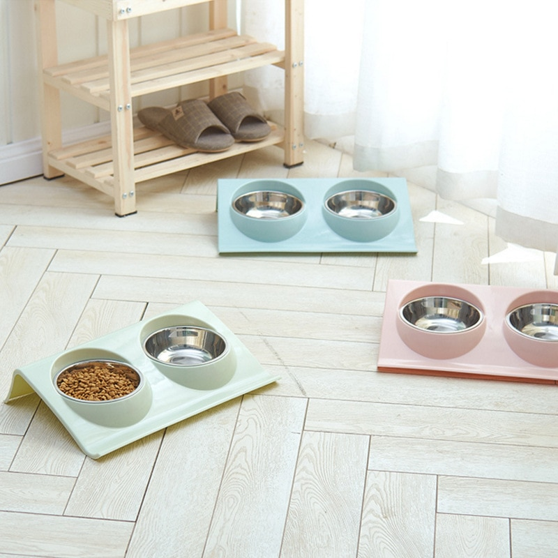 De doble uso Pet comida plástico de clase de gatitos y mascotas doble tazón olla pulverización gato perros al aire libre de agua potable para mascotas alimentador