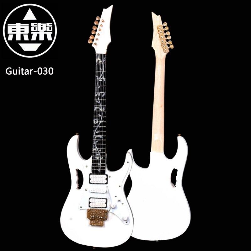 ¡Guitarra en miniatura hecha a mano de madera modelo guitarra-030 Pantalla de guitarra con caja y soporte (no guitarra real! Solo para pantalla)