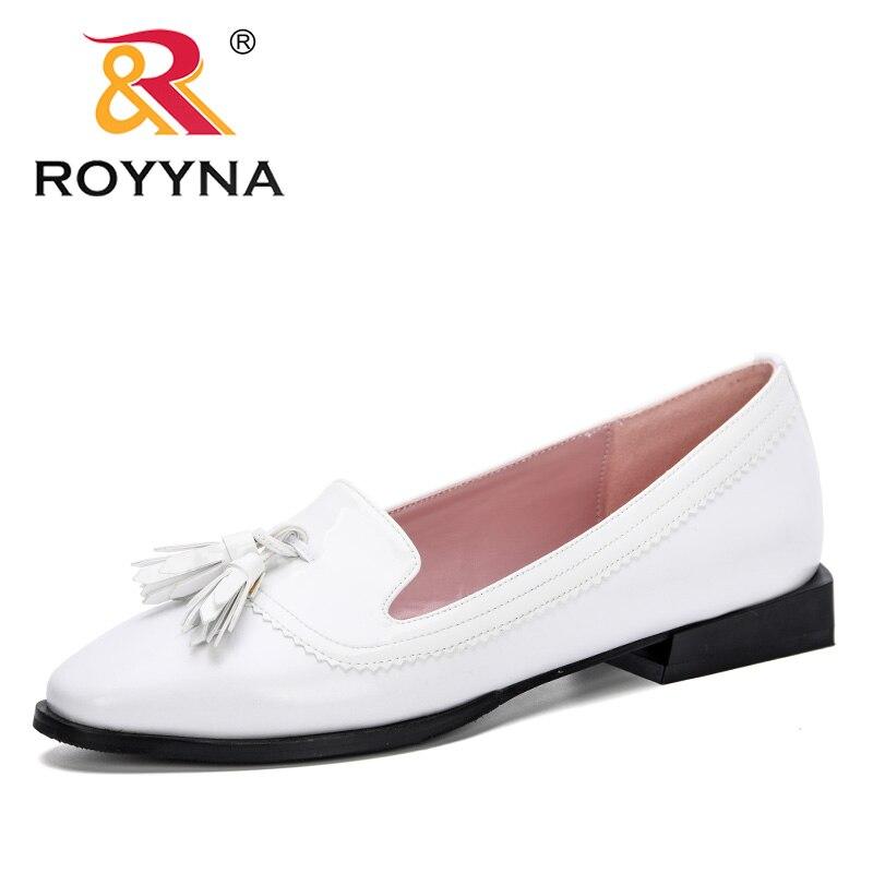 ROYYNA 2019 nuevo estilo mujer bombas zapatos bajos de mujer moda oficina trabajo zapatos de fiesta de boda señoras zapatos de tacón bajo cómodo