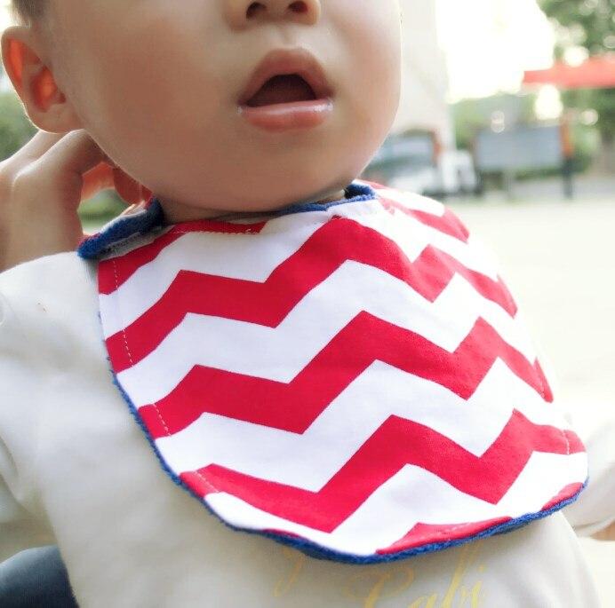 Babero suave de algodón de babero de bandana con diseño de chevron liso de impresión personalizada elegante