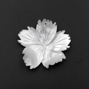 50pcs New Mother of Pearl White MOP Shell Beads Carved Irregular Freeform Flower TOP Drilled focal Beads Charms