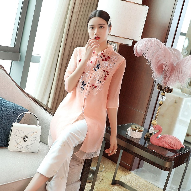 En Kaliteli Marka Çin Bluz Gömlek Kadınlar turn-aşağı Yaka Organze Nakış 3/4 Kollu Tunik Düğmeleri Gömlek Beyaz