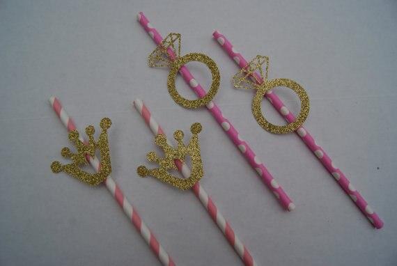 Pajitas de fiesta personalizadas baratas con anillos brillantes y coronas para fiesta nupcial. Pajita de fiesta de té para bebidas de compromiso