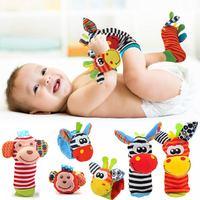 Носки плюшевые с мультяшным рисунком, ремешок на запястье, детские игрушки-погремушки, 0-12 месяцев, носки для новорожденных, носки с животным...