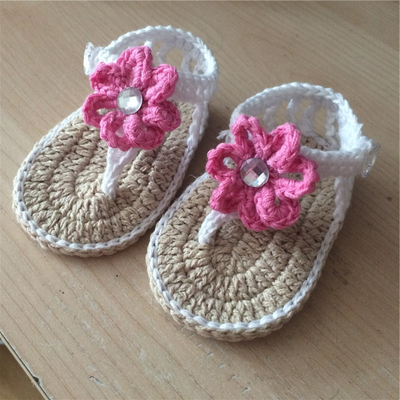 Детская обувь qyflyxueбрендовой ручной работы, детская трикотажная обувь для девочек, вязаные крючком, Sapatos Infantis Meninas, детские шлепанцы с цветам...