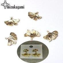 Alliage de Zinc doré Ginkgo Biloba feuilles pendentif à breloques 6 pcs/lot pour bricolage mode boucles doreilles bijoux fabrication accessoires