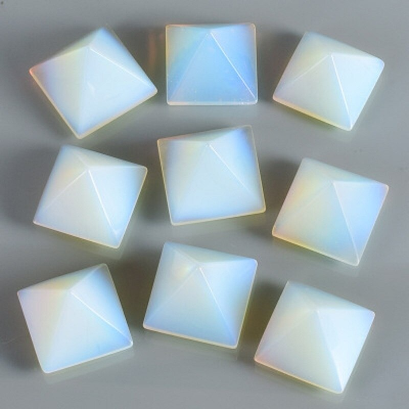 Pirâmide de cristal Pedra Da Lua Pingente de Pirâmide 30mm * 30mm Atacado Chakra Cura Quartzo mineral