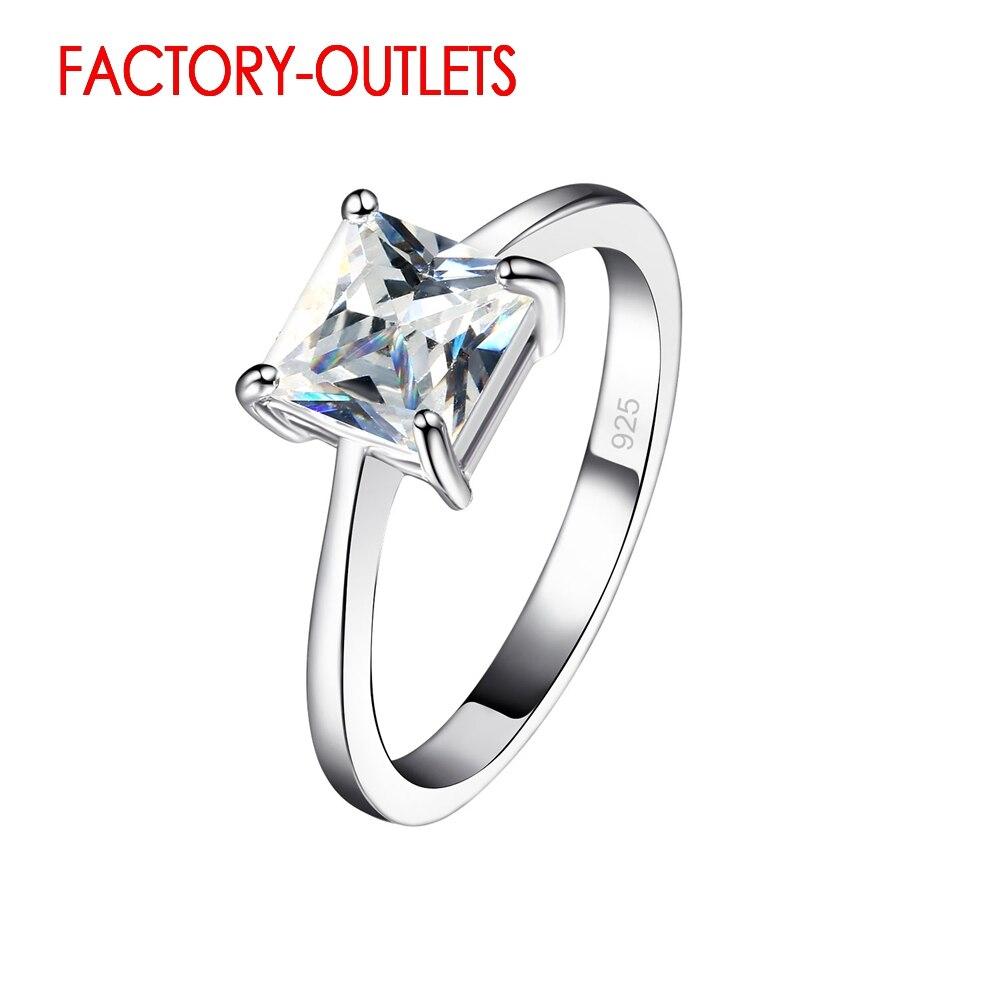 Женское-кольцо-из-серебра-925-пробы-с-квадратным-фианитом