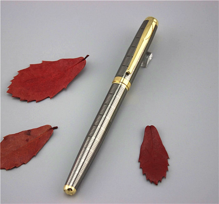 DKW lujo bolígrafo teacher estudiante bolígrafos metálicos de alta calidad regalo de negocios con un recambio adicional