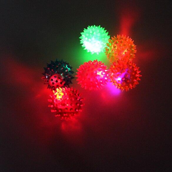 2017 neue Blinkende Licht Up Spikey Hohe Bouncing Balls Neuheit Sinnes Igel Ball YH-17