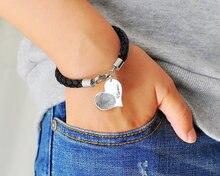 Signature de couleur argent graver Bracelet personnalisé Bracelet en cuir dempreintes digitales breloque coeur cadeau de mémoire de noël