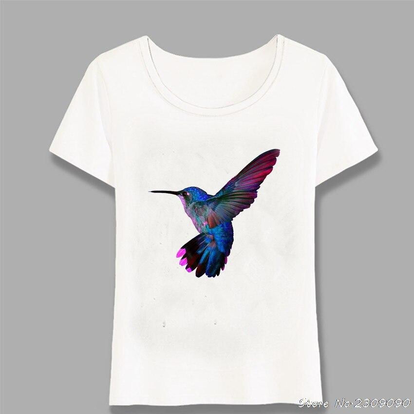 Nueva camiseta para mujer de verano colorido arte de colibrí camiseta pintura Maiden Casual tapas señoras novedad Tee Cute camisetas Harajuku