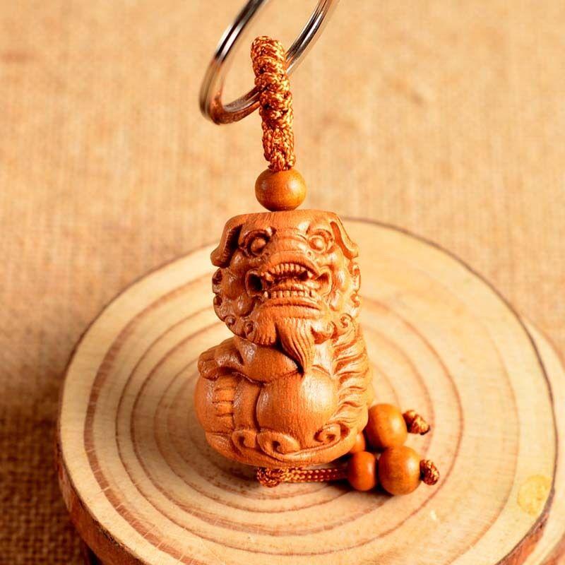 Madeira 3D Carving Chinês Feng Shui Geomancia Leão Foo Dog Estátua Da Corrente Chave Chaveiro